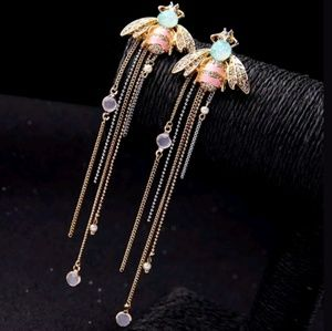 Jewelry - Honeybee Chain Dangle Drop Statement Earrings